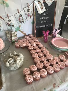 Good Snap Shots Birthday Decorations for girls Ideas You should not employ an in… - Geburtstag 1st Birthday Girl Decorations, 1st Birthday Party For Girls, First Birthday Themes, Diy Birthday, 1st Birthday Cupcakes, 1st Birthday Party Ideas For Girls, Winter Birthday Themes, 1st Birthday Foods, Princess First Birthday