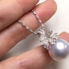 """Annycase 在 Instagram 上发布:""""Pendant.Ready to order. 14.8mm Natural Australian White Pearl. Very Good Lustre.Round.Minor Blemish on the back. 18k Platinum. 0.40ct…"""" Pearl Necklaces, Pearl Jewelry, Diamond Jewelry, Jewlery, Pearl Earrings, High Jewelry, Jewelry Accessories, Women Jewelry, Jewelry Design"""