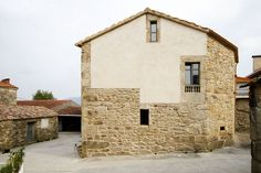 House Rehabilitation in Noutigos, Carnota - Spain - 2013 by dom arquitectura Old Stone Houses, Old Houses, Brown Roofs, Small Terrace, Stone Facade, Spanish House, Facade House, Traditional House, Modern Architecture