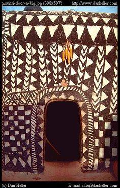 gurunsi-door-a.jpg africa, burkina faso, doors, gurunsi, images, tiebele, vertical