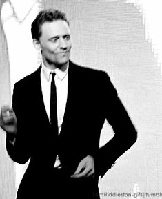 10 Tom Hiddleston Dance Moves That Will Blow You Away