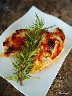 Le poulet peut être une viande sèche, mais préparée correctement, elle peut se révéler et devenir tendre et moelleuse avec une simple marinade