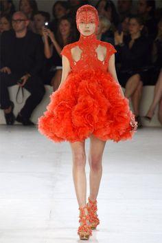 Alexander McQueen Spring 2012   Paris Fashion Week