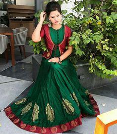Ashu's media statistics and analytics Saree Gown, Sari Dress, Anarkali Dress, Saree Blouse, Dress Skirt, Indian Gowns Dresses, Pakistani Dresses, Indian Outfits, Long Dress Design