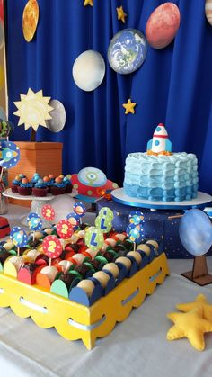 Festa linda e original com tema Planetas!! Rocket Birthday Parties, 11th Birthday, Astronaut Party, Outer Space Party, Festa Toy Story, Moon Party, Cinderella Party, Space Theme, Baby Shower Parties