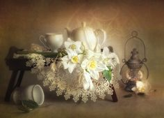 Photograph The old lamp by Luiza Gelts - Луиза Гельтс on Still Life 2, Still Life Photos, Old Lamps, Arte Floral, Still Life Photography, Love Flowers, Flower Art, Art Flowers, Picture Frames