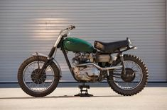 There is probably no motorcycle more closely associated with Steve McQueen than the Triumph Desert Sled, in fact the iconic images of him roaring across Triumph Scrambler, Triumph Bonneville, Triumph Motorcycles, Custom Motorcycles, Custom Bikes, Bonneville Motorcycle, Steve Mcqueen Triumph, Harley Davidson, Desert Sled