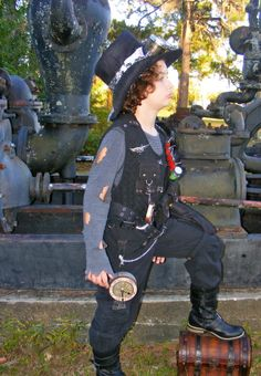 Growing Up Steampunk. 5 years of Blaze's steampunk costumes.