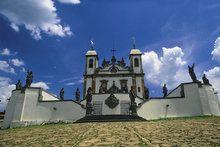 O conjunto da Basílica do Senhor Bom Jesus de Matosinhos é considerado a obra-prima de Aleijadinho