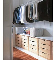Drawers beneath clothes for closet storage Make A Closet, Master Closet, Closet Bedroom, Closet Space, Walk In Closet, Cheap Closet, Upstairs Bedroom, Closet Storage, Bedroom Storage
