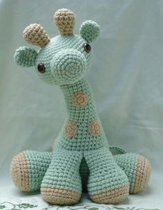 Cute crochet giraffe. No pattern.