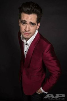'Ahhhhh beautiful man!' Is litrally what I just said when I saw this picture. Beautiful Brendon