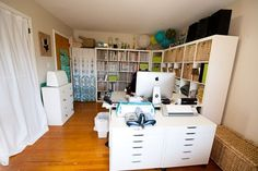 Love the lights and the overall look - craft room / sewing room Sewing Room Design, Craft Room Design, Sewing Rooms, Sewing Studio, Space Crafts, Home Crafts, Craft Space, Craft Room Storage, Craft Rooms