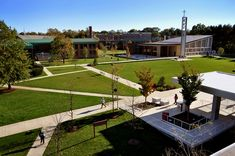 Sacred Heart University | Photos | Best College | US News