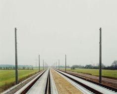 Hans-Christian Schink, ICE-Strecke bei Radefeld, aus: VDE (Verkehrsprojekte Deutsche Einheit), 2001, C-Print/Diasec, 178 x 211 cm und 121 x 143 cm, Auflage 5 + 3