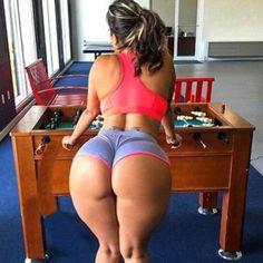 Поиграл бы с ней?