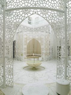 The Royal Mansour Hotel in Marrakech. I hate Marrakech but this room is out of The Lion, the Witch and the Wardrobe. Islamic Architecture, Beautiful Architecture, Art And Architecture, Morrocan Architecture, Interior And Exterior, Interior Design, Interior Ideas, Palace Interior, Room Interior