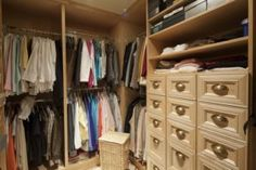 Have a small closet, medium closet or large walk-in closet? Here are some closet organization tips to help declutter your life! Reach In Closet, Walk In Closet Design, Bedroom Closet Design, Bedroom Wardrobe, Wardrobe Closet, Closet Designs, Front Closet, Wardrobe Design, Clever Closet