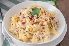 Chicken Alfredo Recipe With Crispy Bacon - Genius Kitchen