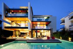 10 Modern Houses With Integrated Pools | InteriorHolic.