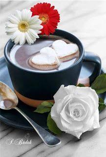 ☆Coffee and flower ❤ Coffee Heart, I Love Coffee, My Coffee, Brown Coffee, Good Morning Coffee, Coffee Break, Chocolate Caliente, Hot Chocolate, Mini Desserts