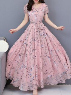 Awesome boho dresses are offered on our internet site. Check it out and you wont be sorry you did. Modest Maxi Dress, Long Gown Dress, Chiffon Maxi Dress, Maxi Dresses, Floral Dresses, Lace Maxi, Printed Dresses, Indian Gowns Dresses, Evening Dresses