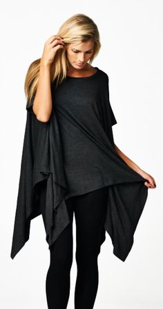 this outfit not only looks great but totally in the comfort zone - London Tunic in Charcoal Love Fashion, Winter Fashion, Womens Fashion, Top Casual, Look Street Style, Look Plus Size, Boutique Fashion, Diy Schmuck, Look Chic