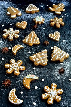 Christmas Deserts, Christmas Cookies, Christmas Ideas, Xmas, Romanian Desserts, Party Desserts, Gingerbread Cookies, Food Art, Cookie Recipes