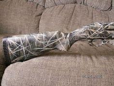 homemade camo paint job ( I want to do this to my shotgun) Quail Hunting, Deer Hunting Tips, Hunting Camo, Coyote Hunting, Hunting Rifles, Archery Hunting, How To Paint Camo, Camo Paint, Waterfowl Gear