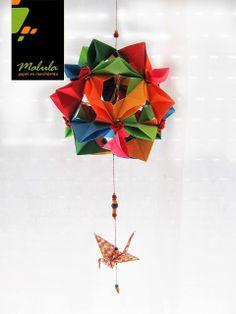 Kusudamas:  Descripción: Bolas decorativas, origami modular desde 6 a 60 piezas, el tamaño puede variar según el pedido. Todas realizadas con papeles de diseñadores argentinos, papeles usados de 15 x15cm.