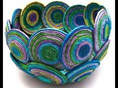 Super news paper art diy ideas The Effective Pictures We Offer You About easy crafting Recycled Magazine Crafts, Recycled Paper Crafts, Recycled Magazines, Newspaper Crafts, Newspaper Basket, Rolled Paper Art, Fabric Bowls, Paper Weaving, Paper Beads