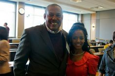 Former NABJ Regional Director & Maryland Public Television Reporter/Producer Charles Robinson spends some time sharing his wisdom with a recent grad.