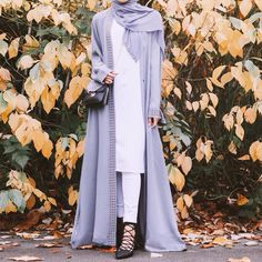 Obsessed with the colour of this abaya and hijab set from 💐 Modest Outfits, Modest Fashion, Hijab Fashion, Fashion Tips, Nature Photography, Fashion Photography, Outdoor Shoot, Create Photo, Dressed To Kill