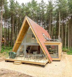 Liz's Lodge, a modern A-Frame house in Norfolk woodland Hut House, Tiny House Cabin, Tiny House Living, Tiny House Design, Cabin Homes, A Frame Cabin Plans, Build A Frame, Triangle House, Forest House
