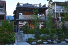 Airbnb - Minutes to city mountains ocean in West Vancouver