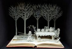 Su Blackwell, Alice, A Mad Tea Party. book-cut sculpture alice in wonderland Lewis Carroll, Up Book, Book Art, Alice In Wonderland Book, Alice Book, Buch Design, Portfolio Book, Paper Artist, Through The Looking Glass
