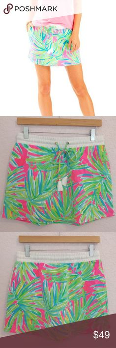 """Lilly Pulitzer Royal Lime Zia Skirt Size Small Popped the tags but have never worn or washed this skirt. Side pockets and stretchy drawstring waist with tassels. Size small. Measures appx 14"""" laid flat and 14.5"""" total length. Best for Lilly sizes 2-6. Lilly Pulitzer Skirts"""