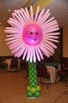 What a happy sun flower balloon column! Will make your guests smile, for sure.