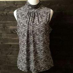CLEARANCE  Mock Neck Sleeveless Black Lace Print Fashion Bug Tops
