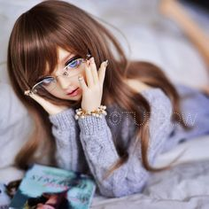 Brunette ball jointed doll with glasses Beautiful Barbie Dolls, Pretty Dolls, Ooak Dolls, Blythe Dolls, Pictures Of Barbie Dolls, Cute Girl Hd Wallpaper, Princess Barbie Dolls, Cute Baby Dolls, Kawaii Doll