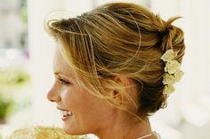 Penteados para casamento: 5 opções para inspirar suas madrinhas [Artigo: Penteados para Casamento]   Noivinhas, hoje o post não será exclusivamente para vocês, pois iremos falar sobre penteados para casamento!...