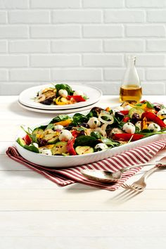 Roasted Vegetable Salad with Herbed Bocconcini Recipe from Saputo. Roasted Vegetable Salad, Grilled Vegetables, Saputo Cheese, Healthy Food, Healthy Recipes, Balsamic Vinegar, Fall Recipes, Pasta Recipes, Chicken