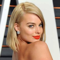 Margot Robbie wiki, affair, married, Lesbian with age