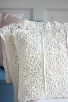Crochet Patterns Pillow Cushion – Beautiful crochet pillow – a unique product by bleuetrose at DaW … Beau Crochet, Love Crochet, Beautiful Crochet, Knit Crochet, Crochet Motifs, Crochet Squares, Crochet Granny, Crochet Patterns, Crochet Bedspread Pattern