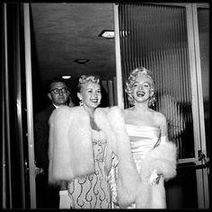 """13 Mai 1953 / (part II) Marilyn, Betty GRABLE, Sheila GRAHAM, Army ARCHERD, Herman HOVER, Jane RUSSELL, Lucille BALL, Darryl ZANUCK, Sybil BRAND, Walter WINCHELL, Joe SCHENCK, Louella PARSONS, etc..., sont tous conviés à une soirée au """"Ciro's club"""", dont les bénéfices iront pour la lutte contre le cancer, soirée organisée en l'honneur de Miss Louella PARSONS, célèbre chroniqueuse mondaine du tout Hollywood et soirée dédiée également à Walter WINCHELL pour son anniversaire."""