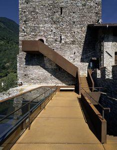 Restauro e allestimento museale di Castel Tirolo, Tirolo, 2003 - Markus Scherer Architekt, Walter Angonese
