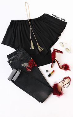 Black Ruffle Off The Shoulder Blouse Size Available: XS,S,M,L Fabric: Fabric is very stretchy Season: Summer Pattern Type: Plain Sleeve Length: Short Sleeve Color: Black Material: Polyester Style: Casual Collar: Off the Shoulder