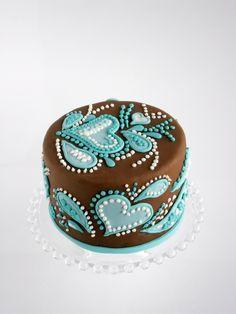 Cake Love the paisley & hearts!