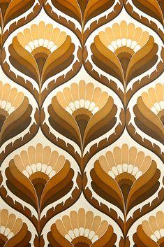 Funky Geometric Retro Wallpaper