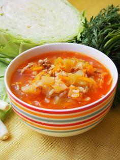 Szefowa w swojej kuchni. ;-): Zupa gołąbkowa Thai Red Curry, Chili, Food And Drink, Dinner, Fruit, Ethnic Recipes, Diet, Polish Food Recipes, Dining